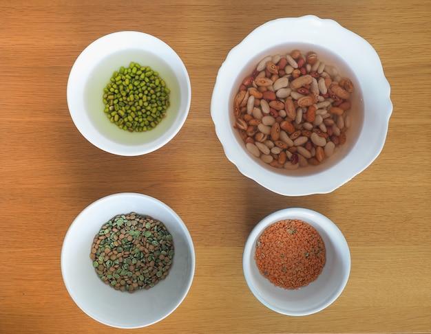 混合豆、レンズ豆、エンドウ豆