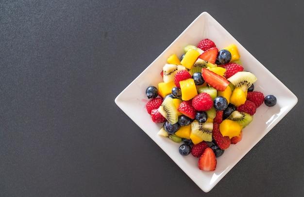 Смешанные свежие фрукты