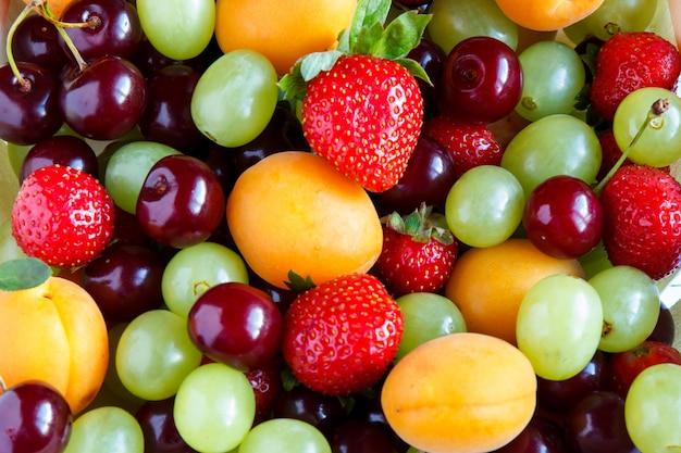 Mixed fresh fruits.