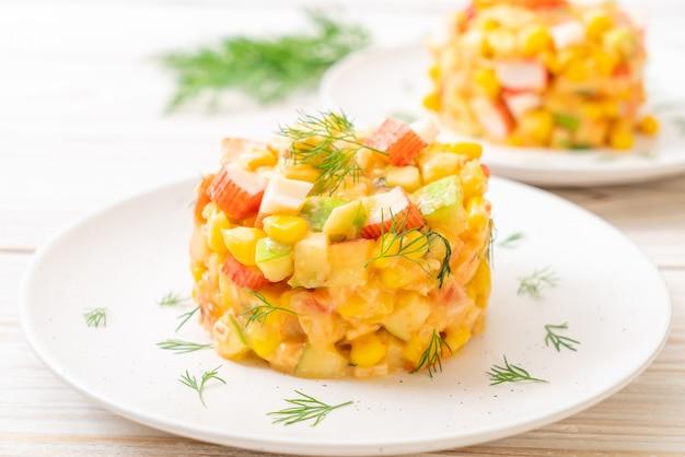 カニスティックミックスフルーツサラダ(アップル、コーン、パパイヤ、パイナップル)