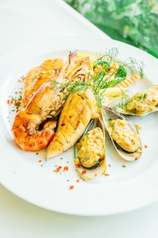 Mixed grilled seafood steak with salmon prawn