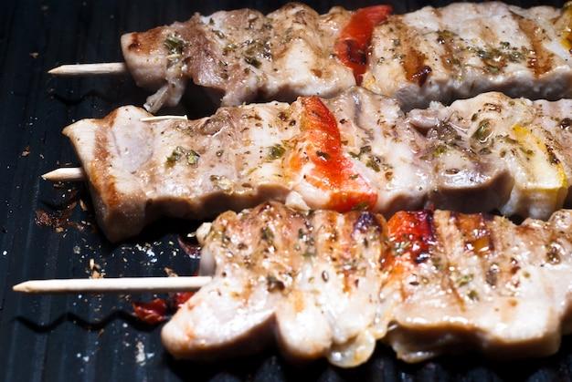 Mixed meat skewer
