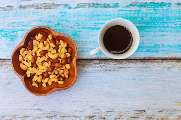 Смешанные орехи вкусные сладости