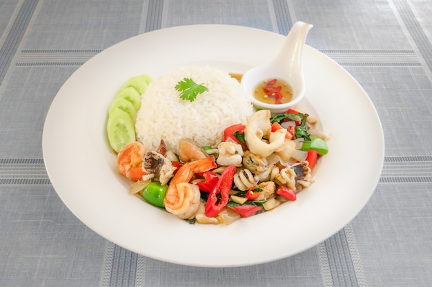 Mixed seafood fried with chili