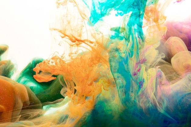 Mixing splashes of paint