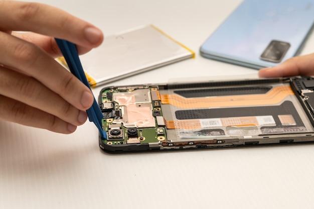 Mobile camera repair