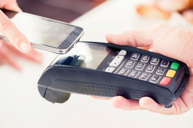 Mobile payment with smartphone at checkout