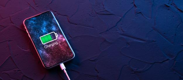 어두운 네온 빨간색과 파란색 배경에 모바일 스마트 폰 충전 장치. 아이콘 배터리 및 화면의 충전 진행 조명. 전원에 연결된 스마트폰. 배터리 부족