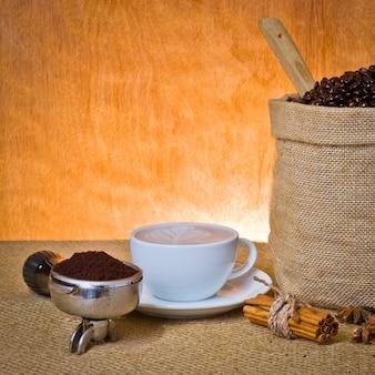 Bevanda marrone moka caffè scuro