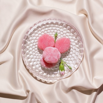 もち和菓子はピンクです。上から見る