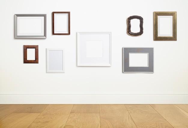 写真や絵画のための空の白いフレームの背景のさまざまな装飾的な空のフレームをモックアップします