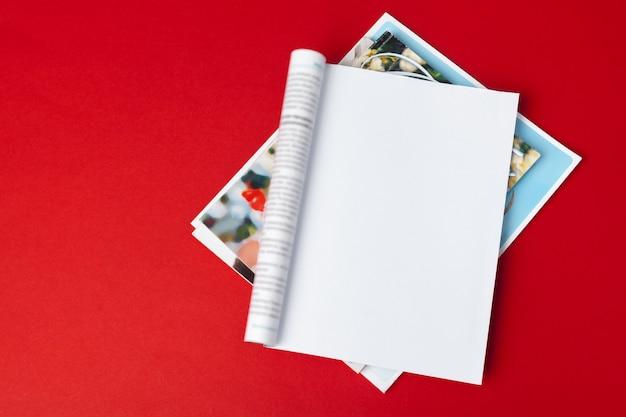 모형 잡지 또는 카탈로그. 프리미엄 사진