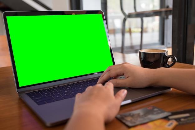 Компьютерный ноутбук mockup