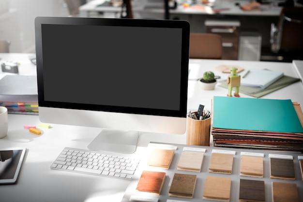 Макет копией пространства пустой экран концепции