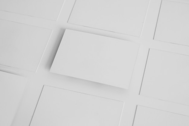 Макет белых визитных карточек