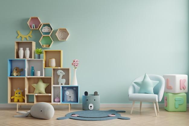 Стена модель-макета в комнате детей на предпосылке зеленых цветов стены.