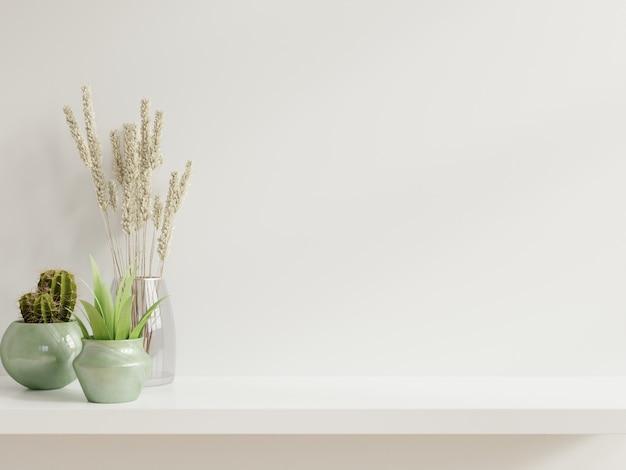 식물을 가진 모형 벽