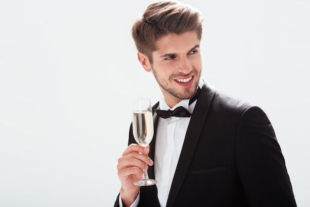 Модель в костюме. с шампанским