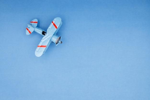 Model plane, airplane on pastel color Premium Photo