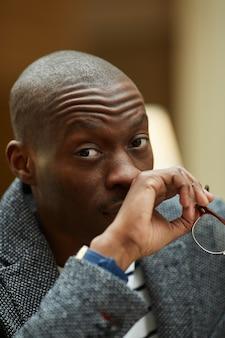 Современный афро-американский мужчина