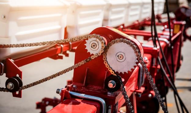 Современная сельскохозяйственная техника и оборудование. промышленные детали.