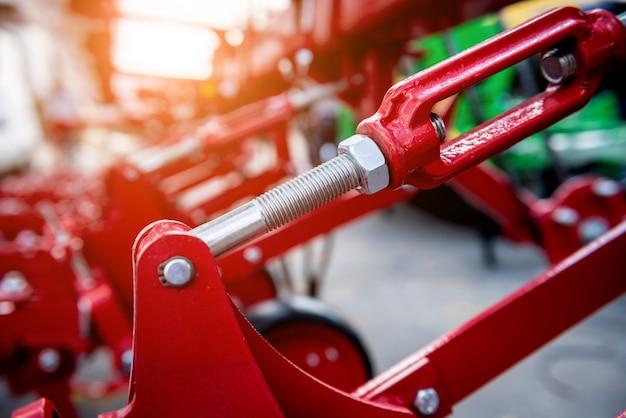 現代の農業機械および装置。