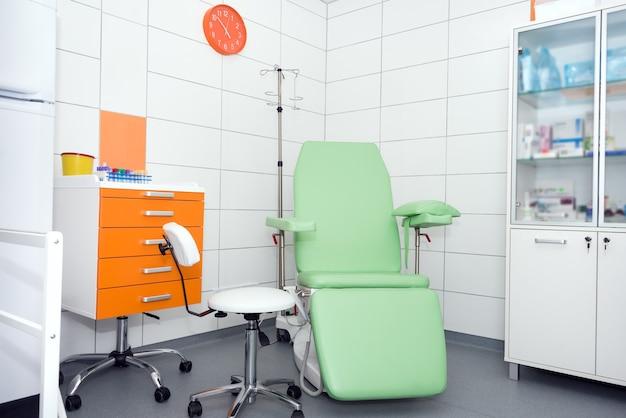 モダンで快適な設備の整った病室