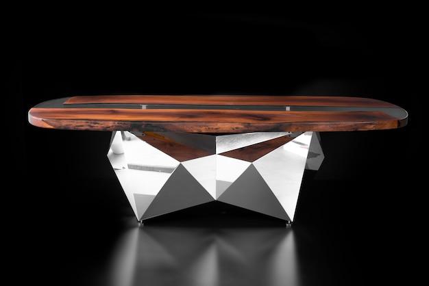 モダンで豪華な手作りのテーブル