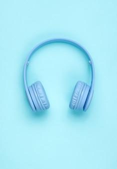 Современные синие беспроводные наушники-вкладыши