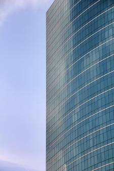 モダンな建物