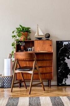 ホームオフィスのインテリアのモダンな構成家の装飾テンプレートのスタイリッシュなヴィンテージコンセプト