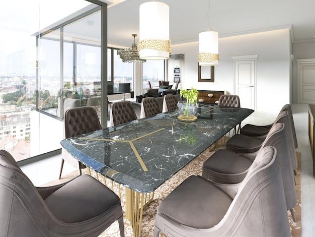 Современная столовая с подвесными светильниками, на мраморном полу расставлены стулья и стол с модными предметами. 3d рендеринг