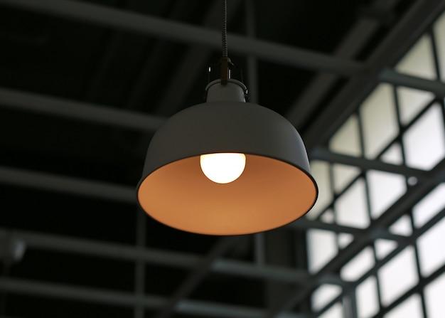 천장에 매달려 현대 전기 램프