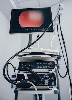 最新の内視鏡検査装置キット。ビデオ内視鏡システム。
