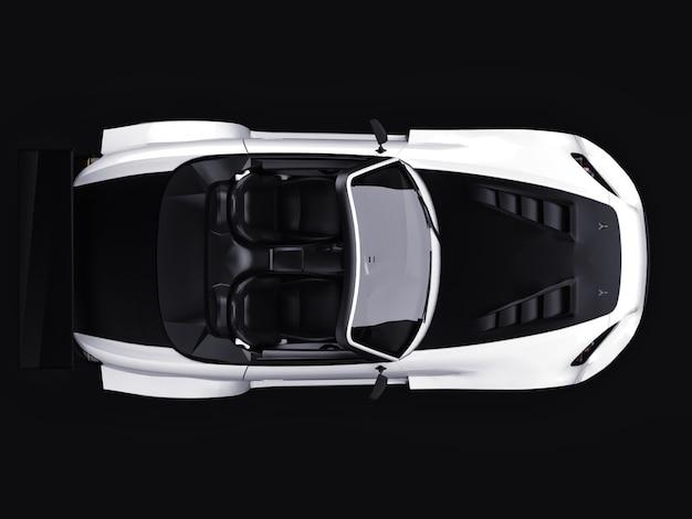 チューニング付きのモダンなグレーのメタリックスポーツコンバーチブルオープンカー
