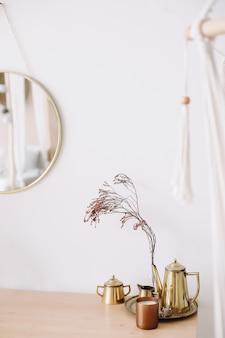 현대 가정 장식. 창의적인 작업 공간. 스칸디나비아 미니멀 인테리어.