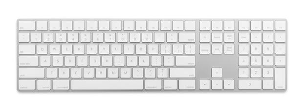 Современная клавиатура для персонального компьютера или ноутбука или настольного пк изолирована на белом фоне с обтравочным контуром