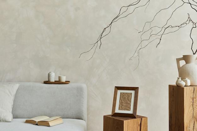 모의 포스터 프레임과 개인 액세서리가 있는 현대적인 거실 구성 템플릿