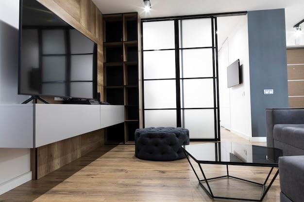 Современный дизайн гостиной с телевизором