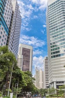 Современные офисные здания в центре куала-лумпура