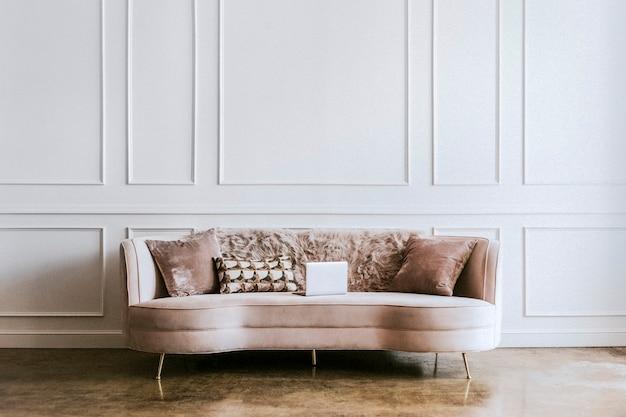 Современный пастельный декор гостиной