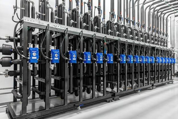 Современная заводская насосная станция чистое помещение