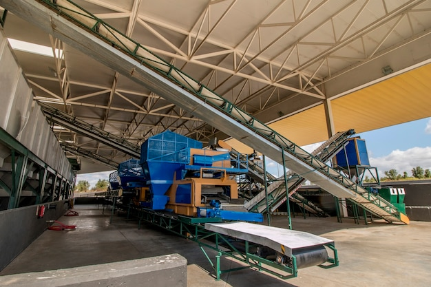 Modern processing unit machinery for olive oil