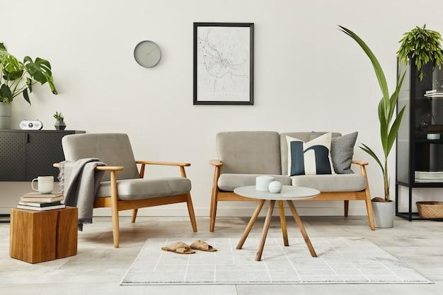 デザインソファとパーソナルアクセサリーを備えたホームインテリアのモダンなレトロなコンセプト。リビングルームのスタイリッシュな家の装飾。