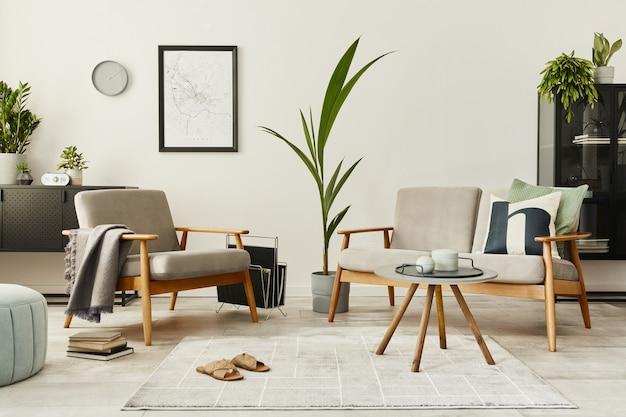 デザイン ソファ、アームチェア、コーヒー テーブル、植物、地図を備えた家のインテリアのモダンなレトロなコンセプト