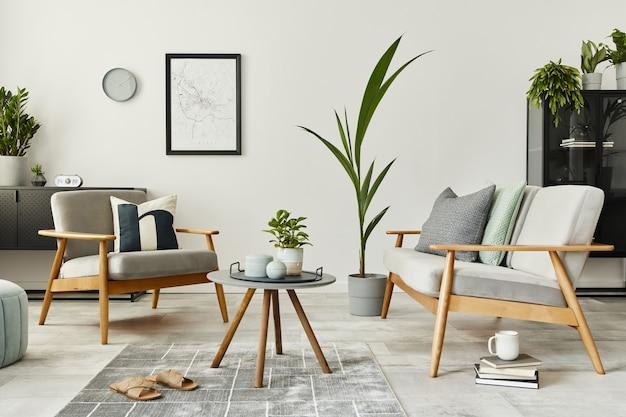 デザインソファ、カーペット、パーソナルアクセサリーを備えたホームインテリアのモダンなレトロなコンセプト。リビングルームのスタイリッシュな家の装飾。