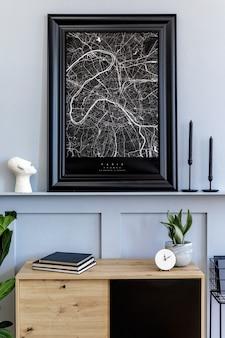 モックアップポスターフレーム、デザインの木製の便器、サボテン、植物、装飾、棚、燭台、本、スタイリッシュな家の装飾のパーソナルアクセサリーを備えたモダンなスカンジナビアの家のインテリア。