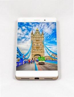 タワーブリッジロンドン英国のフルスクリーン画像を備えた最新のスマートフォン