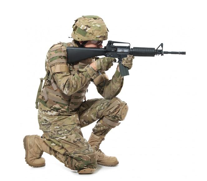ライフルを持った現代の兵士