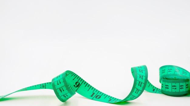 측정 테이프를 가진 현대 스포츠 구성